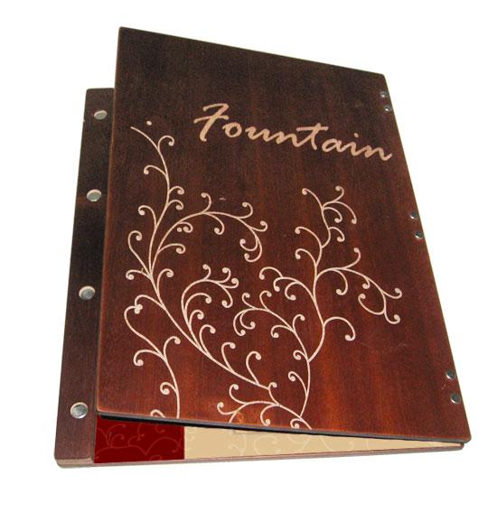Bìa menu gỗ được gia công ấn tượng