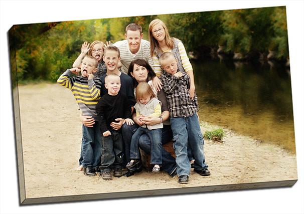 In tranh canvas gia đình