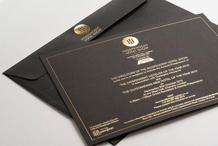 Thiệp event ép kim vàng trên giấy đen luôn được ưu tiên chọn lựa