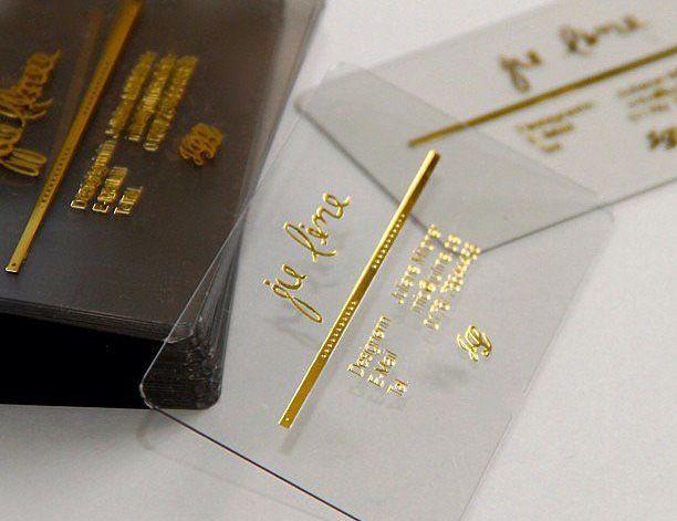 Đã in card visit doanh nhân thì nên chọn in card visit nhựa trong