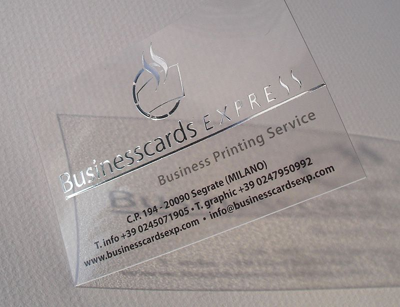 Name card nhựa trong ép kim bạc đặc biệt
