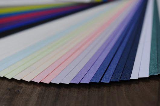 Giấy mỹ thuật với rất nhiều màu để bạn chọn in catalogue