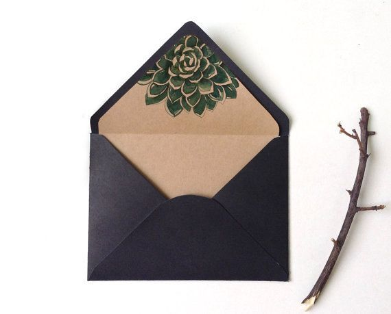 vIn bao thư tam giác - bao thư làm thiệp mời sang trọng.