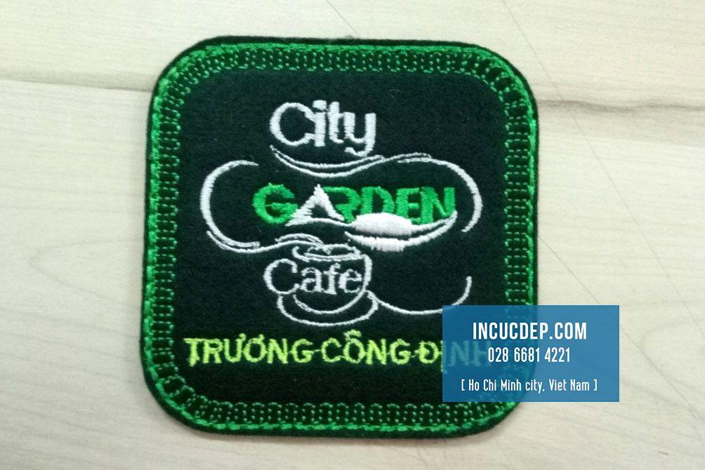 Mẫu đế ly vải thêu logo City Garden Cafe
