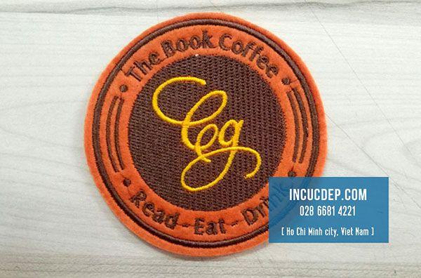 Đế ly vải nỉ của The Book Coffee