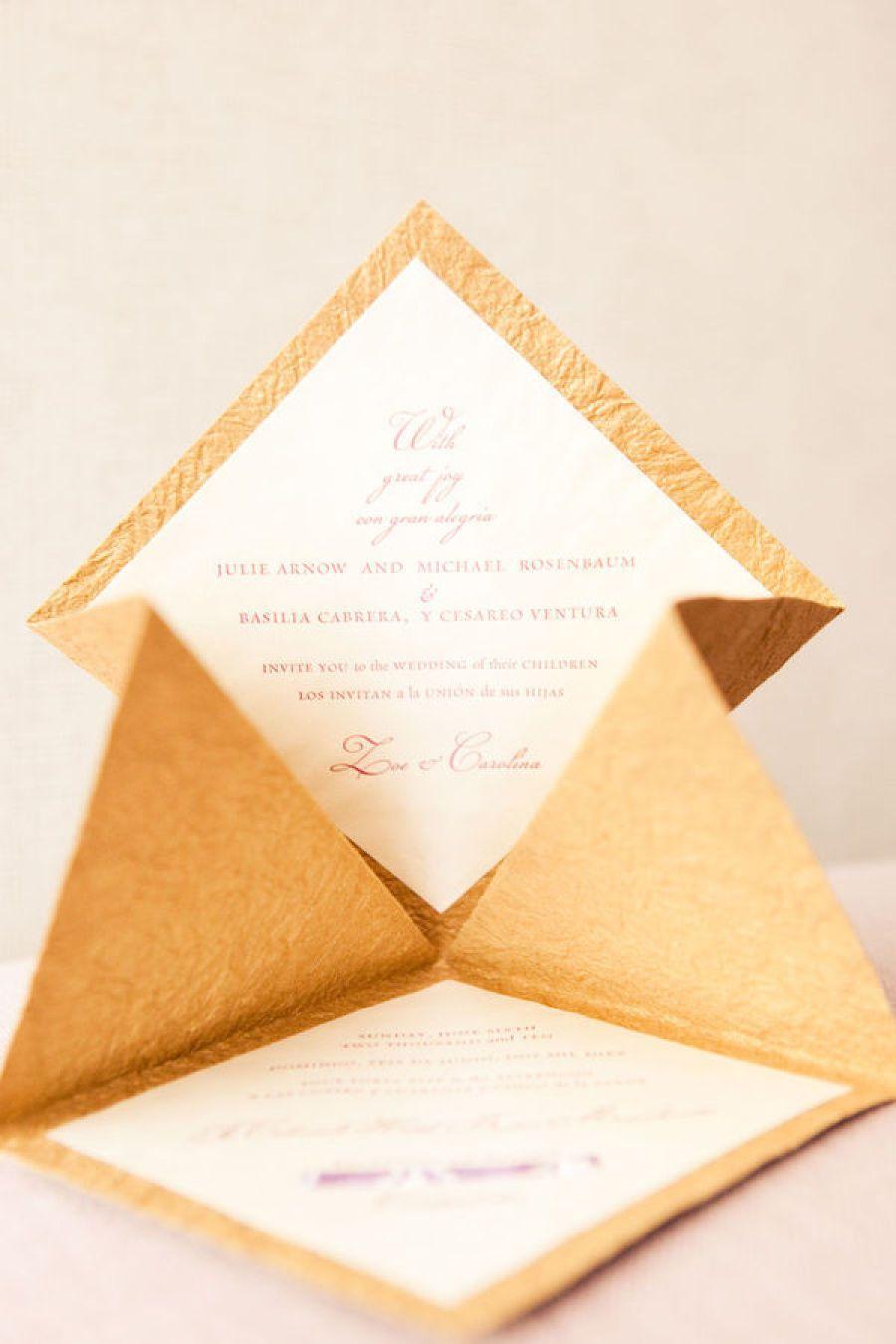 Kiểu gấp thiệp mời hình tháp đặc biệt