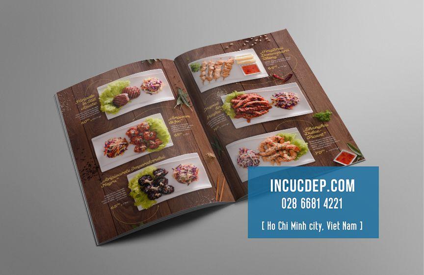 Thiết kế menu nhà hàng với nền gỗ