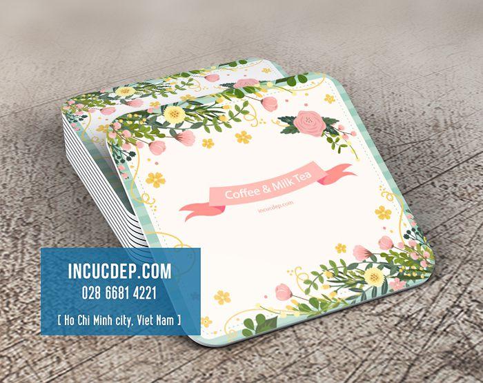 In lót ly giấy với vector hoa miễn phí
