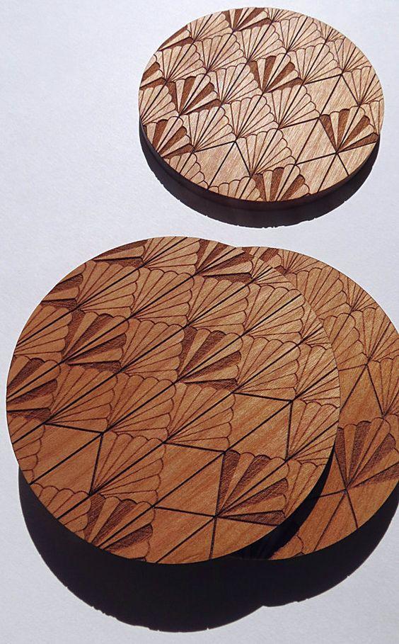 Miếng lót ly gỗ khắc Laser đẹp không góc chết