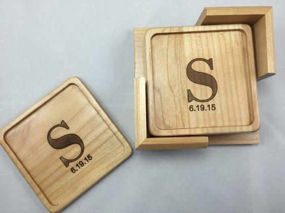 Làm lót ly gỗ tphcm, mẫu đế lót ly gỗ hình vuông bền đẹp chất lượng cao