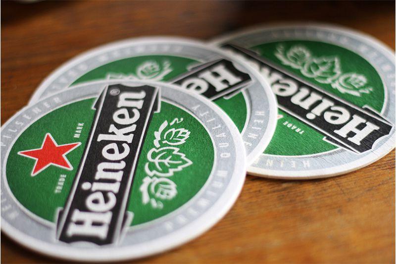 Mẫu đế lót ly của hãng bia nổi tiếng thế giới