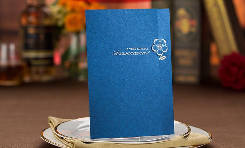 Thiệp mời màu xanh dương sang trọng, quý phái