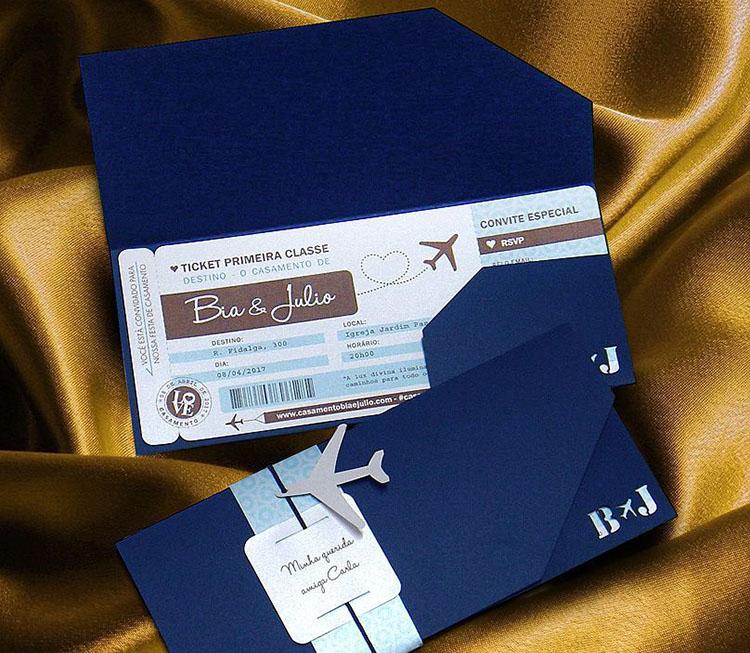 Thiệp mời vé máy bay với màu xanh dương chủ đạo